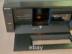 Sony DVP-CX850D 200-Disc DVD CD Explorer Changer Player. No remote control